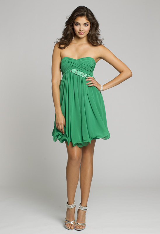 Shop this kelly green dress!